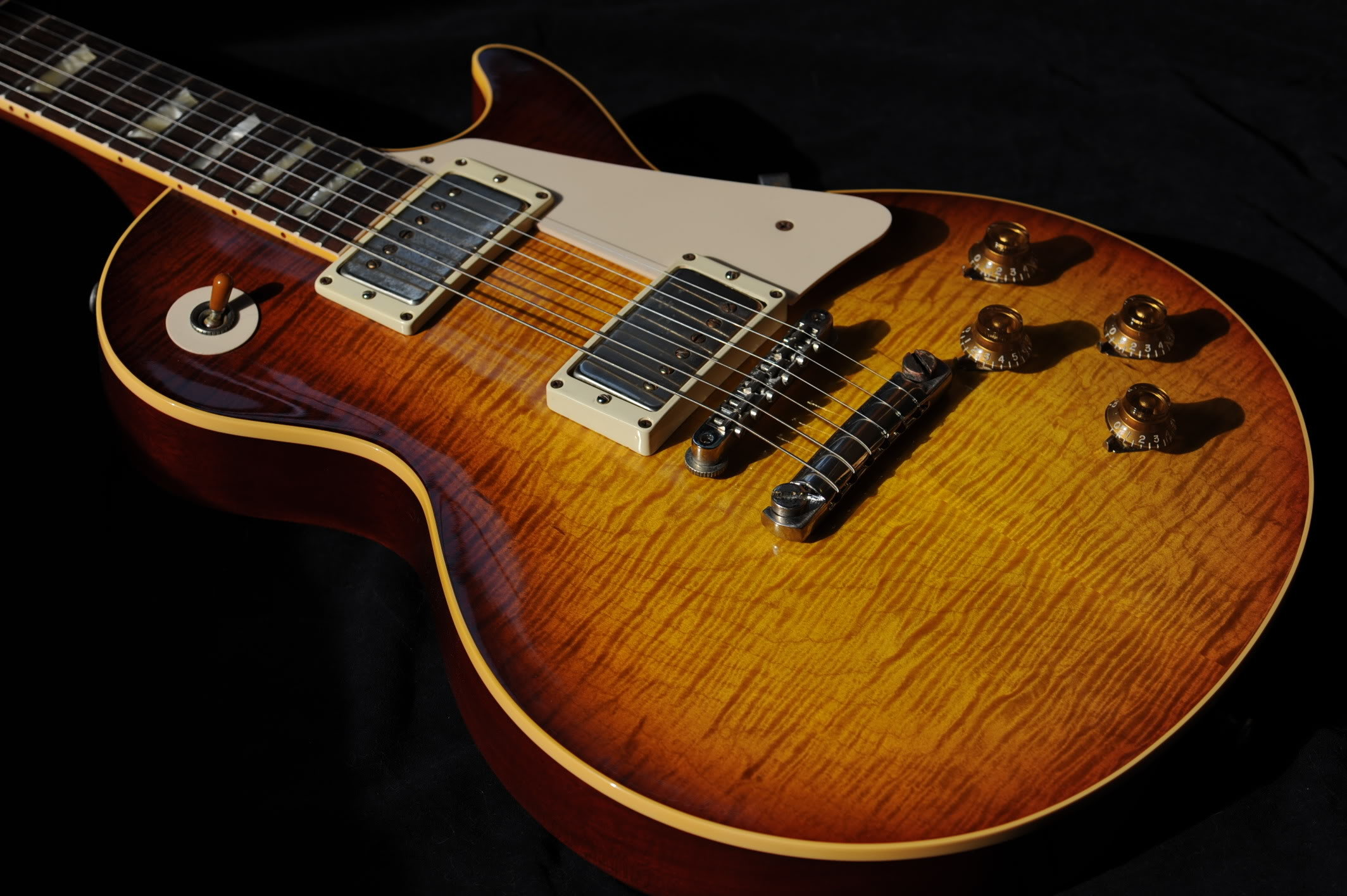 50 Gibson Guitar Wallpaper Hd Android Iphone Desktop Hd Backgrounds Wallpapers 1080p 4k 2128x1416 2020