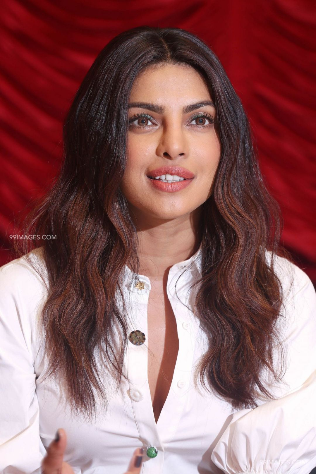 🌟 priyanka chopra hot hd photos (1080p) 🌟