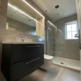Bathroom / Washroom Design / Decoration (#59371)
