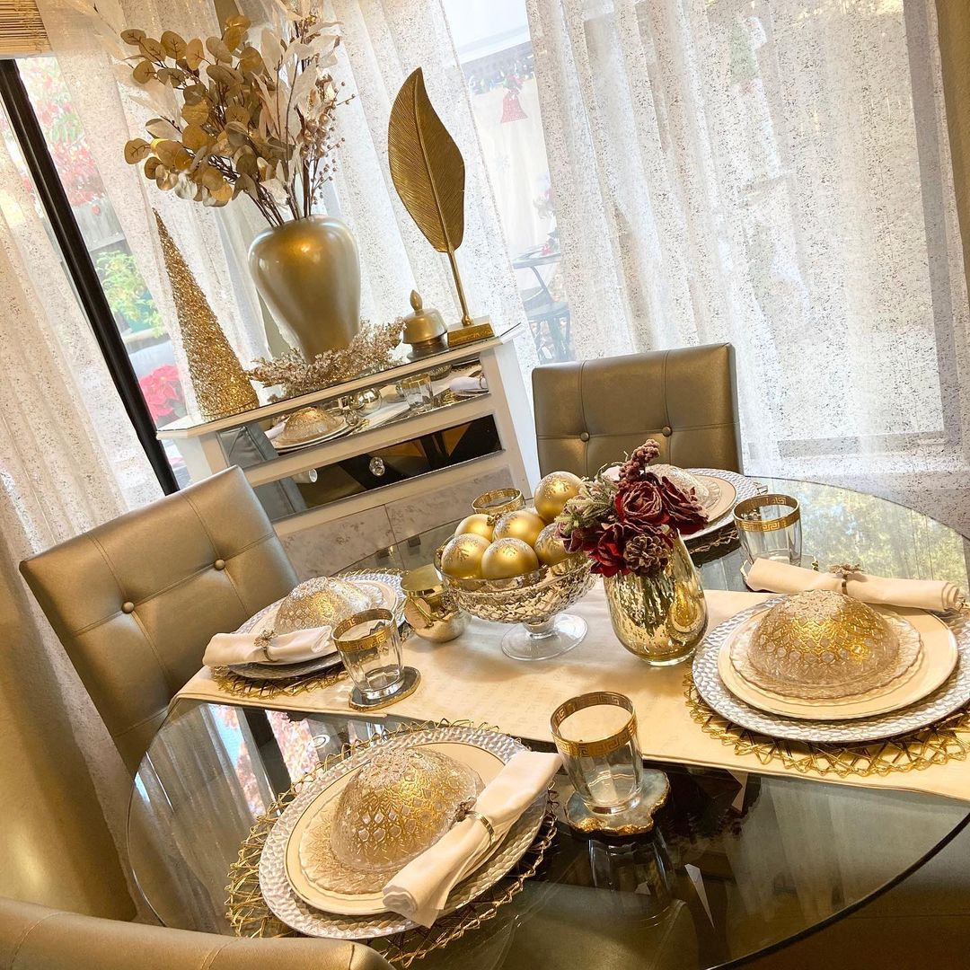 Gold Dining Room Design / Decoration (#119477) (727871) - Dining Room