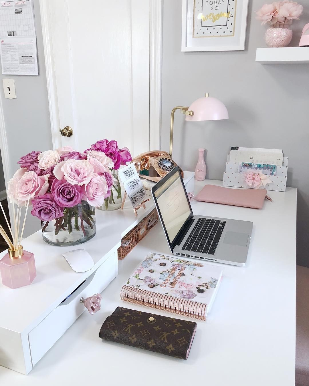 White Pink Home Office Design / Decoration (#114955)