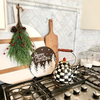 Small Wooden Kitchen Design / Decoration (#111949)