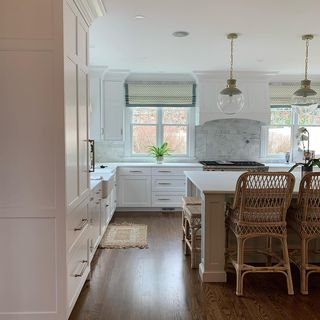 White Kitchen Design / Decoration (#64596)