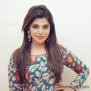 Aathmika Cute HD Photos (1080p)