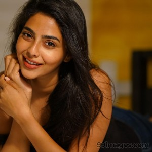 Aishwarya Lekshmi Beautiful Hot HD Photoshoot Images / Wallpapers (1080p)