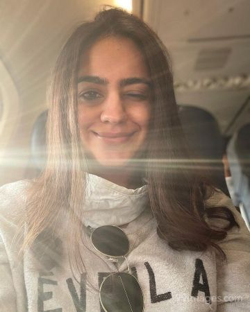 Aksha Pardasany Beautiful HD Photos & Mobile Wallpapers HD (Android/iPhone) (1080p)