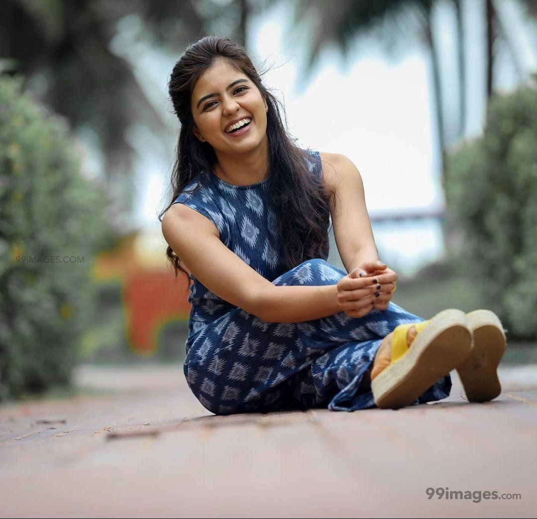 Amritha Aiyer Hot Beautiful HD Photoshoot Photos / Wallpapers (1080p) (603098) - Amritha Aiyer