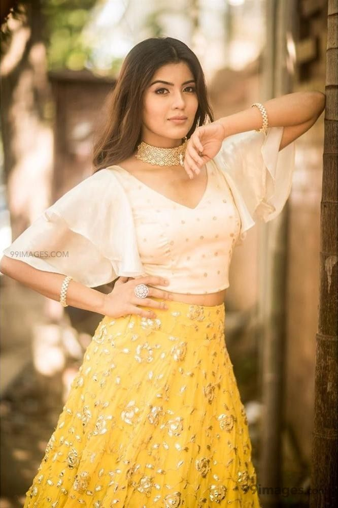 Amritha Aiyer Hot Beautiful HD Photoshoot Photos / Wallpapers (1080p) (513783) - Amritha Aiyer