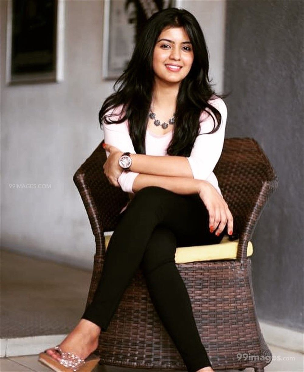 Amritha Aiyer Hot Beautiful HD Photoshoot Photos / Wallpapers (1080p) (513772) - Amritha Aiyer