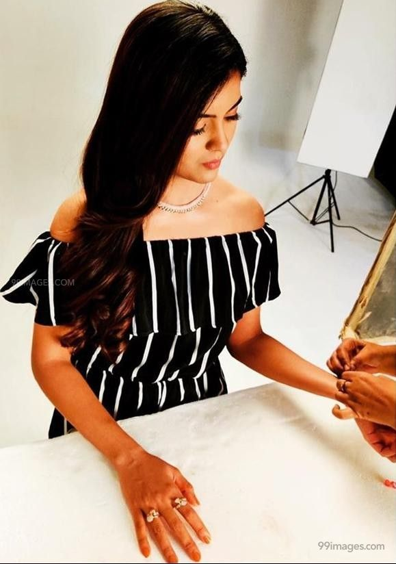 Amritha Aiyer Hot Beautiful HD Photoshoot Photos / Wallpapers (1080p) (513724) - Amritha Aiyer