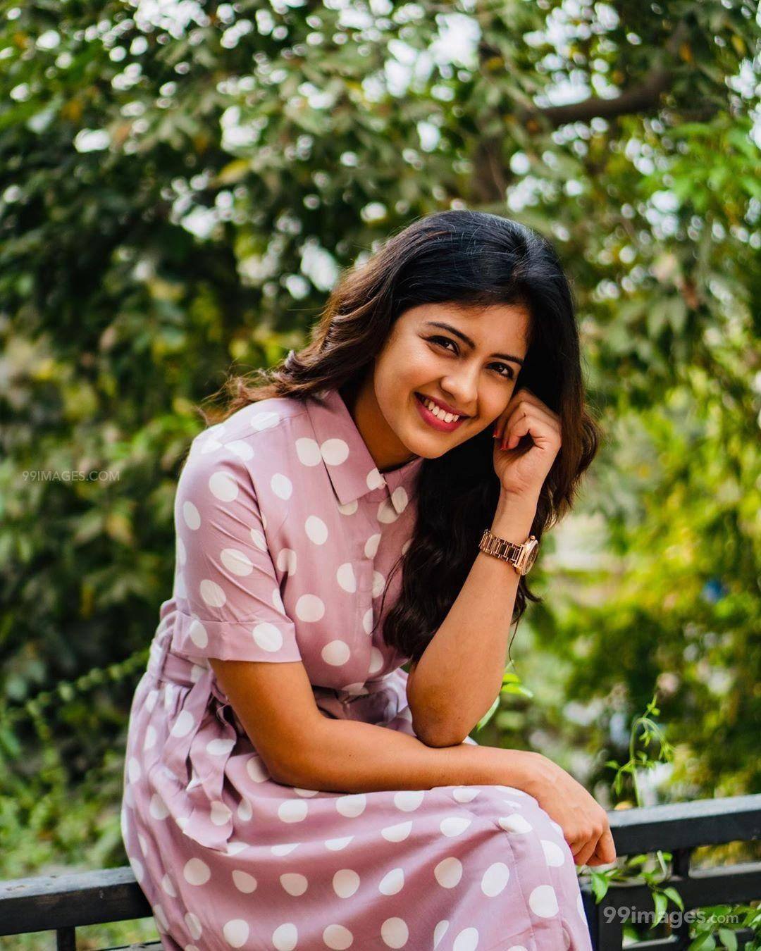 Amritha Aiyer Latest Hot Beautiful HD Photos / Wallpapers (1080p) (517172) - Amritha Aiyer