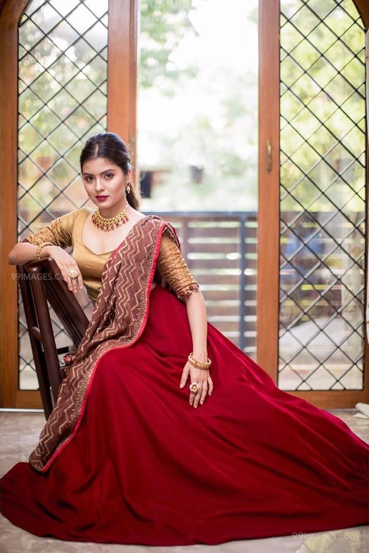 Amritha Aiyer Latest Hot Beautiful HD Photos / Wallpapers (1080p) (132743) - Amritha Aiyer