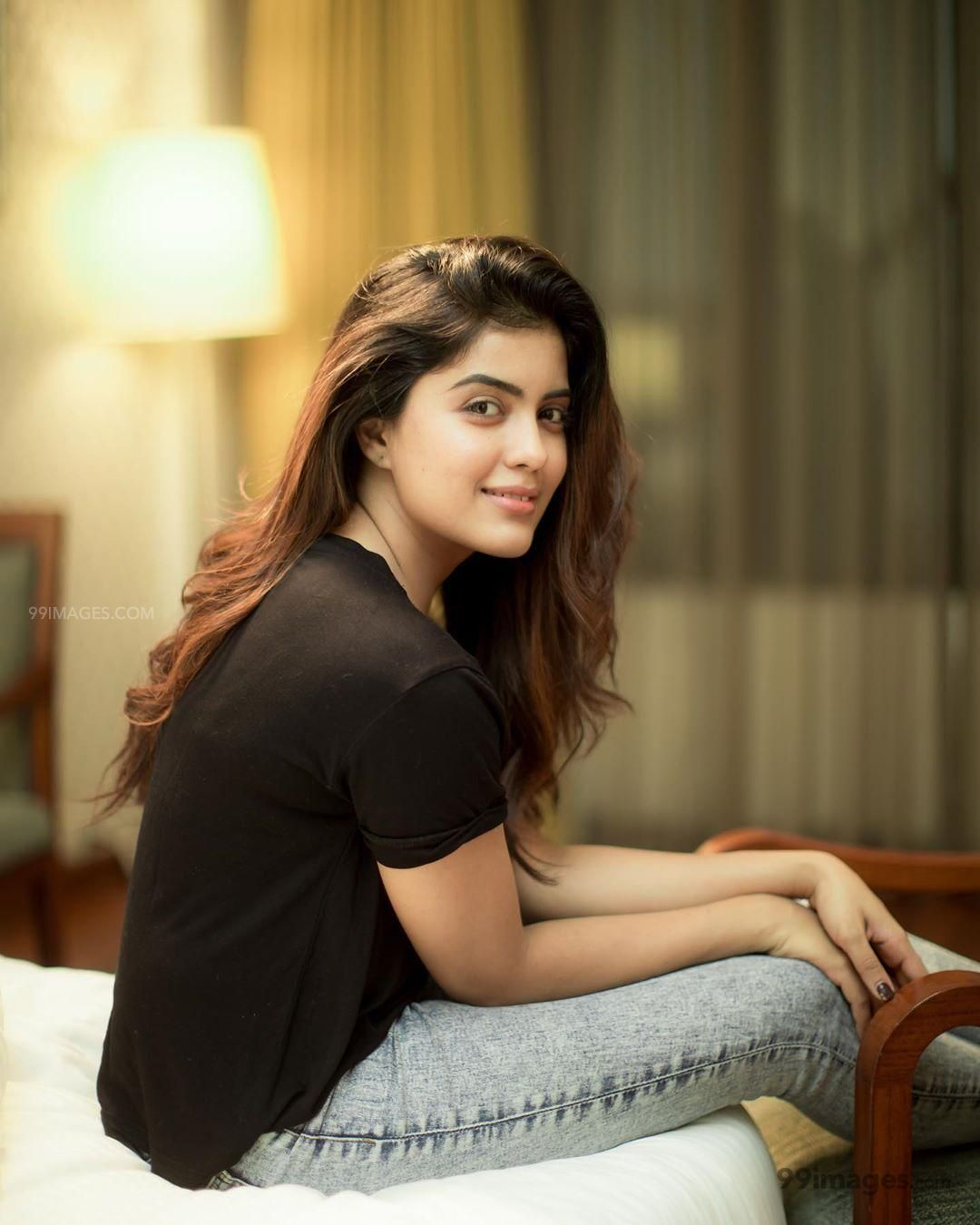 Amritha Aiyer Latest Hot Beautiful HD Photos / Wallpapers (1080p) (257658) - Amritha Aiyer