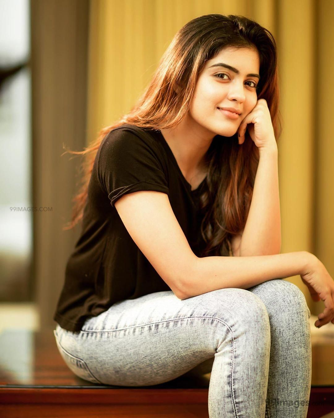 Amritha Aiyer Latest Hot Beautiful HD Photos / Wallpapers (1080p) (257662) - Amritha Aiyer