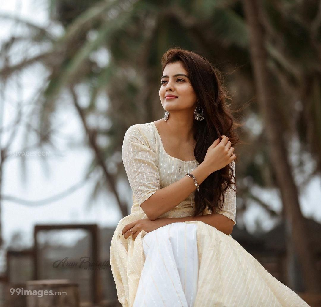 Amritha Aiyer Latest Hot Beautiful HD Photos / Wallpapers (1080p) (695738) - Amritha Aiyer