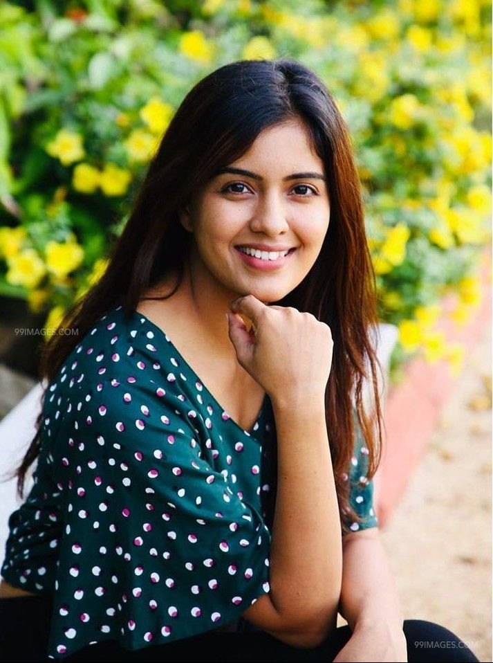 Amritha Aiyer Latest Hot Beautiful HD Photos / Wallpapers (1080p) (48176) - Amritha Aiyer