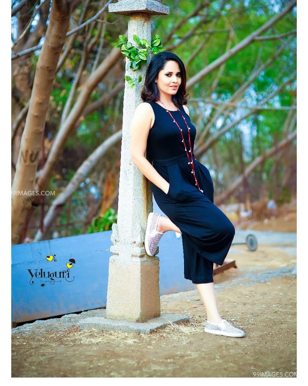 Anasuya Bharadwaj Beautiful HD Photos & Mobile Wallpapers HD (Android/iPhone) (1080p) - anasuya bharadwaj,actress,television actress,tollywood,hd images