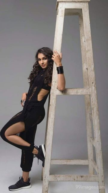 Andrea Jeremiah Beautiful HD Photoshoot Stills & Mobile Wallpapers HD (1080p)