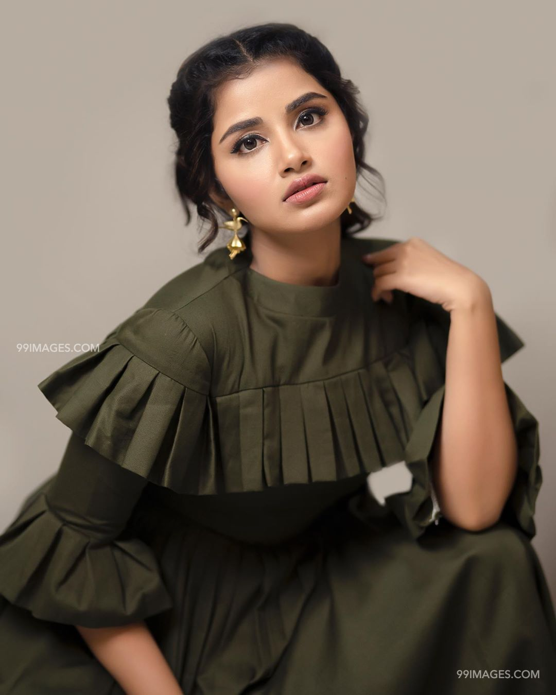 Anupama Parameswaran Beautiful HD Photoshoot Stills & Mobile Wallpapers HD (1080p) (35540) - Anupama Parameswaran