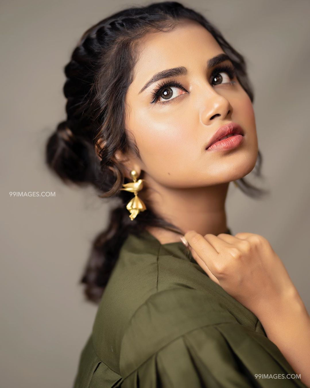 Anupama Parameswaran Beautiful HD Photoshoot Stills & Mobile Wallpapers HD (1080p) (35535) - Anupama Parameswaran