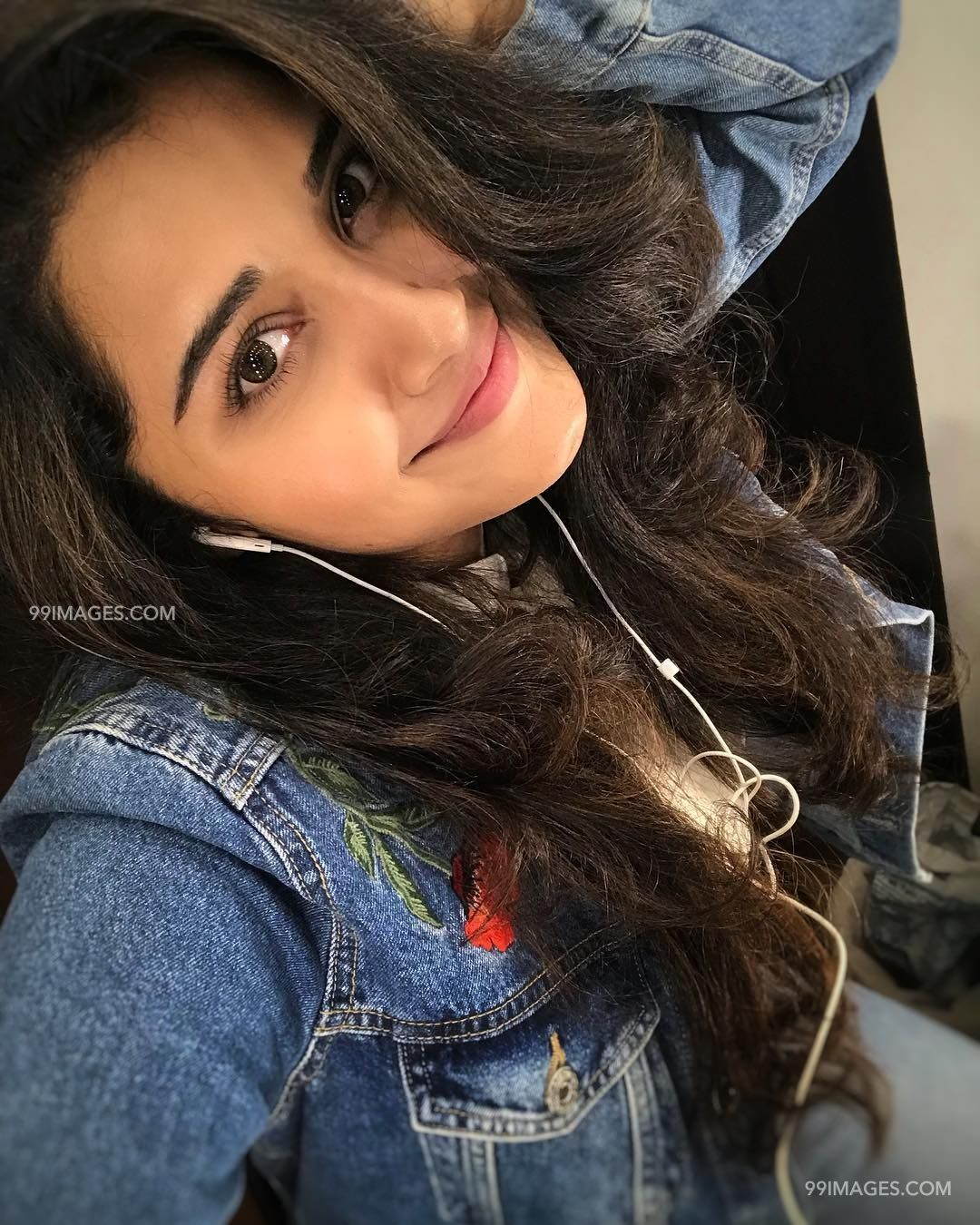Anupama Parameswaran Beautiful HD Photoshoot Stills & Mobile Wallpapers HD, WhatsApp DP (1080p) (19135) - Anupama Parameswaran