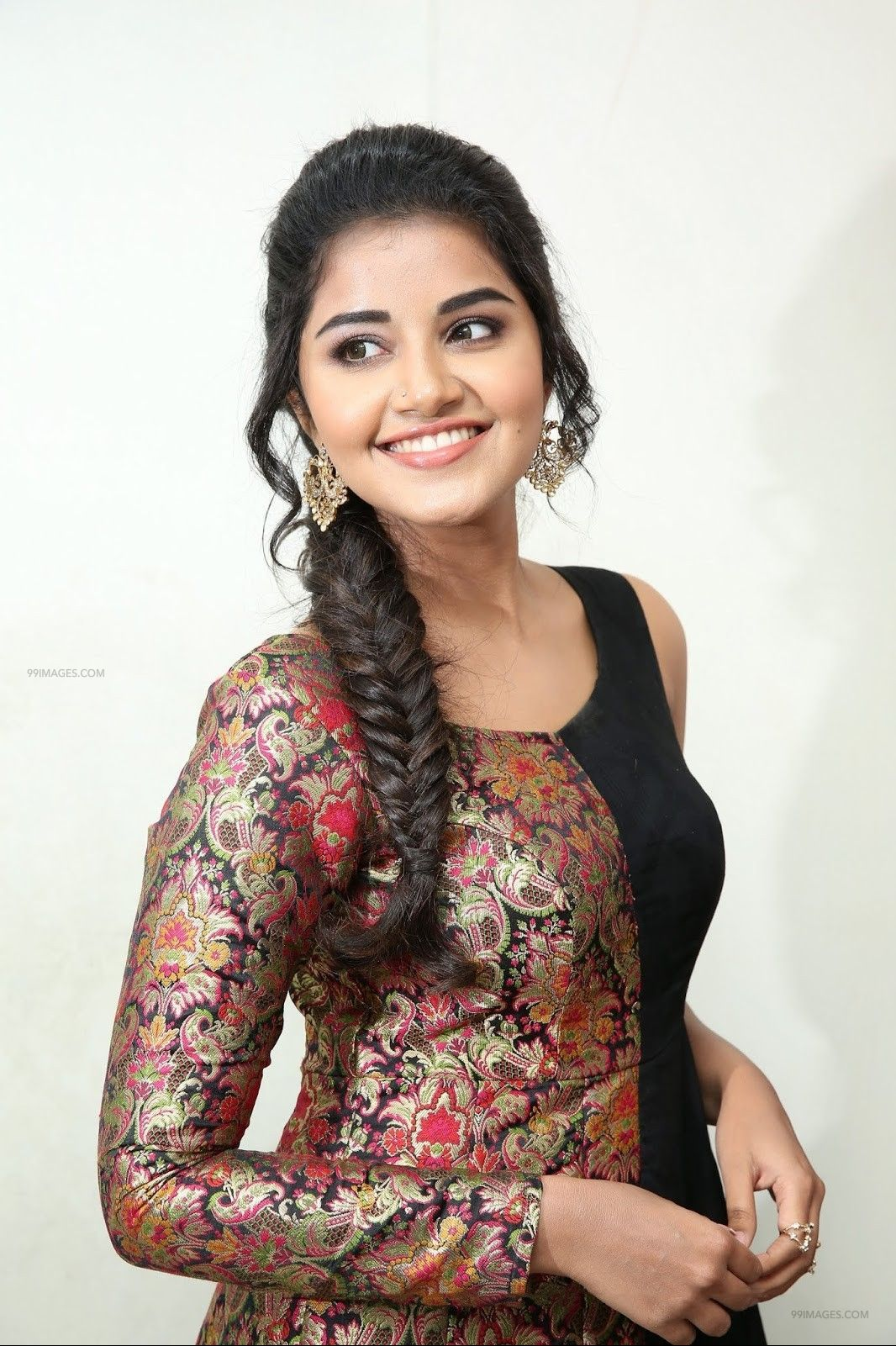 Anupama Parameswaran Hot HD Photos & Mobile Wallpapers, WhatsApp DP (1080p) (73410) - Anupama Parameswaran