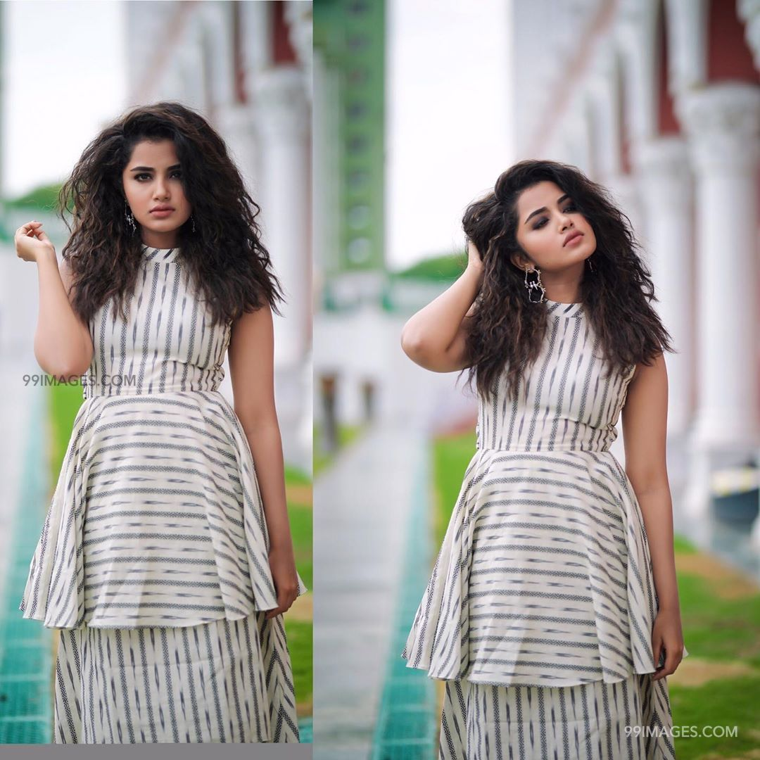 Anupama Parameswaran Latest Hot HD Photoshoot Stills & Mobile Wallpapers HD (1080p) (29920) - Anupama Parameswaran
