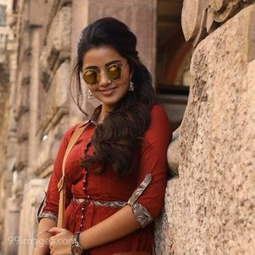 Anupama Parameswaran Latest Hot HD Photoshoot Stills & Mobile Wallpapers HD (1080p)