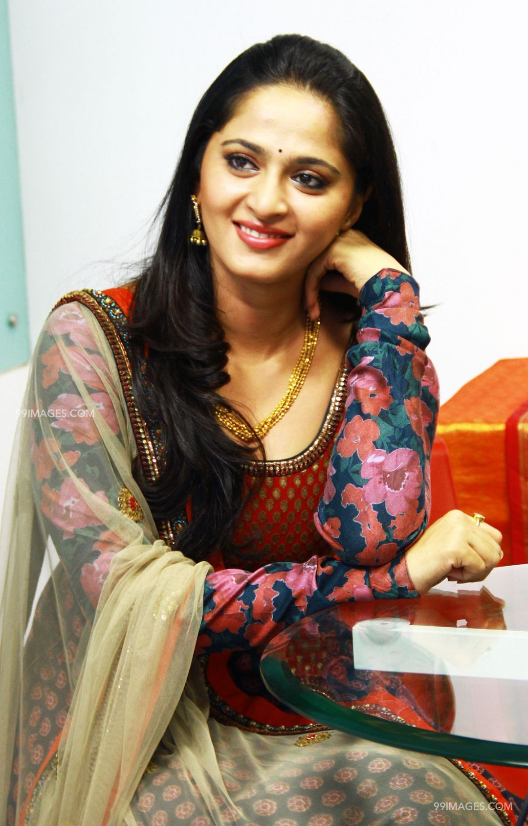 Anushka Shetty Beautiful HD Photoshoot Stills (1080p) (3704) - Anushka Shetty