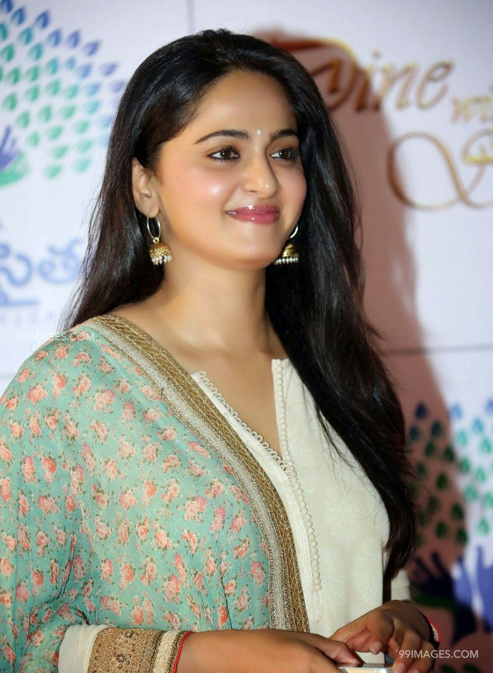 Anushka Shetty Beautiful HD Photoshoot Stills (1080p) (3683) - Anushka Shetty
