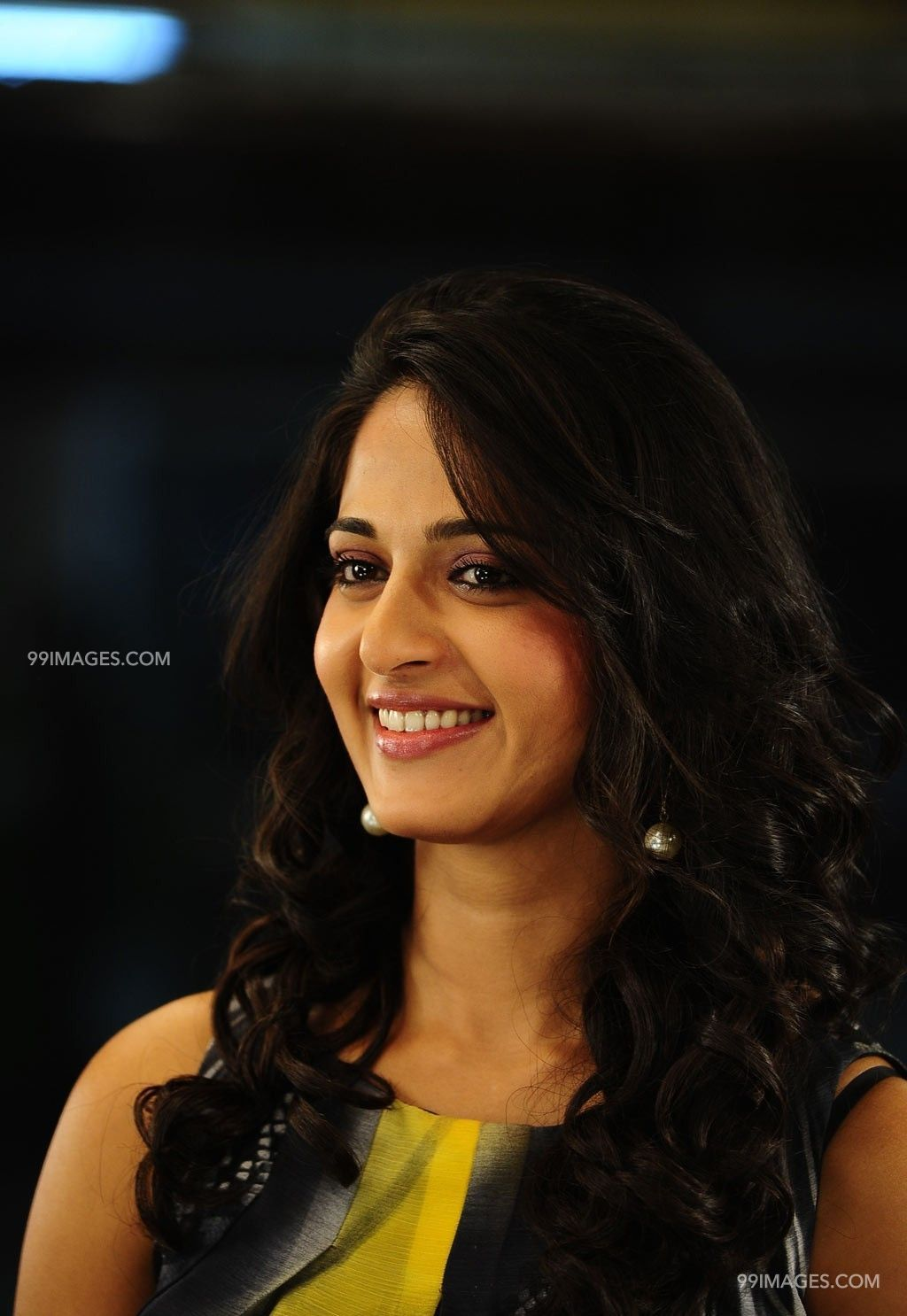 Anushka Shetty Beautiful HD Photoshoot Stills (1080p) (3681) - Anushka Shetty
