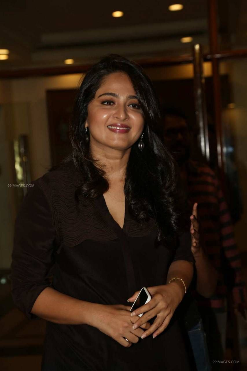 Anushka Shetty Beautiful HD Photoshoot Stills (1080p) (45822) - Anushka Shetty