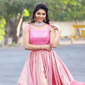 Athulya Ravi Beautiful HD Photoshoot Stills & Mobile Wallpapers HD (1080p)