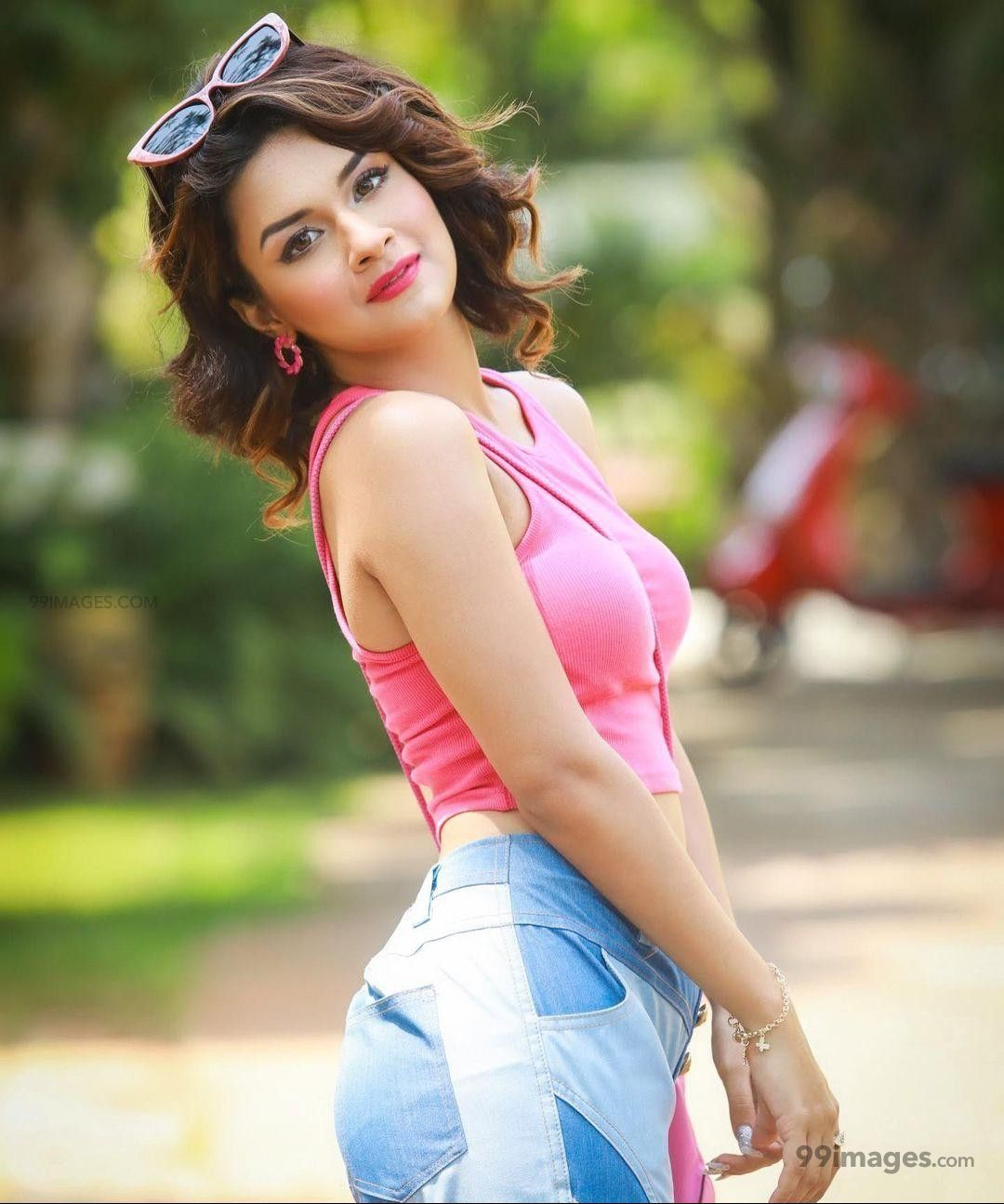 Avneet Kaur Beautiful HD Photoshoot Stills & Mobile Wallpapers HD (1080p) (628705) - Avneet Kaur