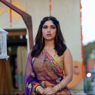 Bhumi Pednekars latest beautiful images HD Quality (1080p)
