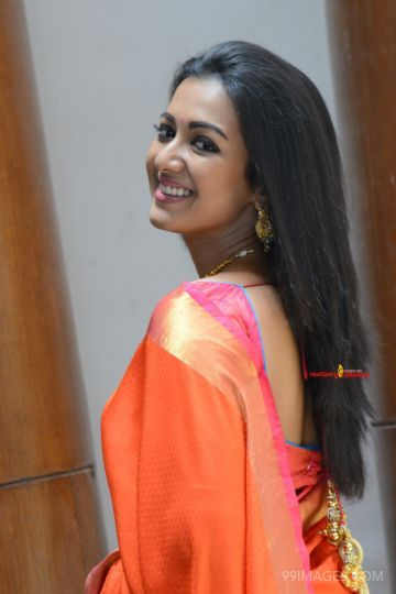 Catherine Tresa Cute HD Photos (1080p) (catherine tresa, actress, kollywood, tollywood, mollywood, sandalwood)