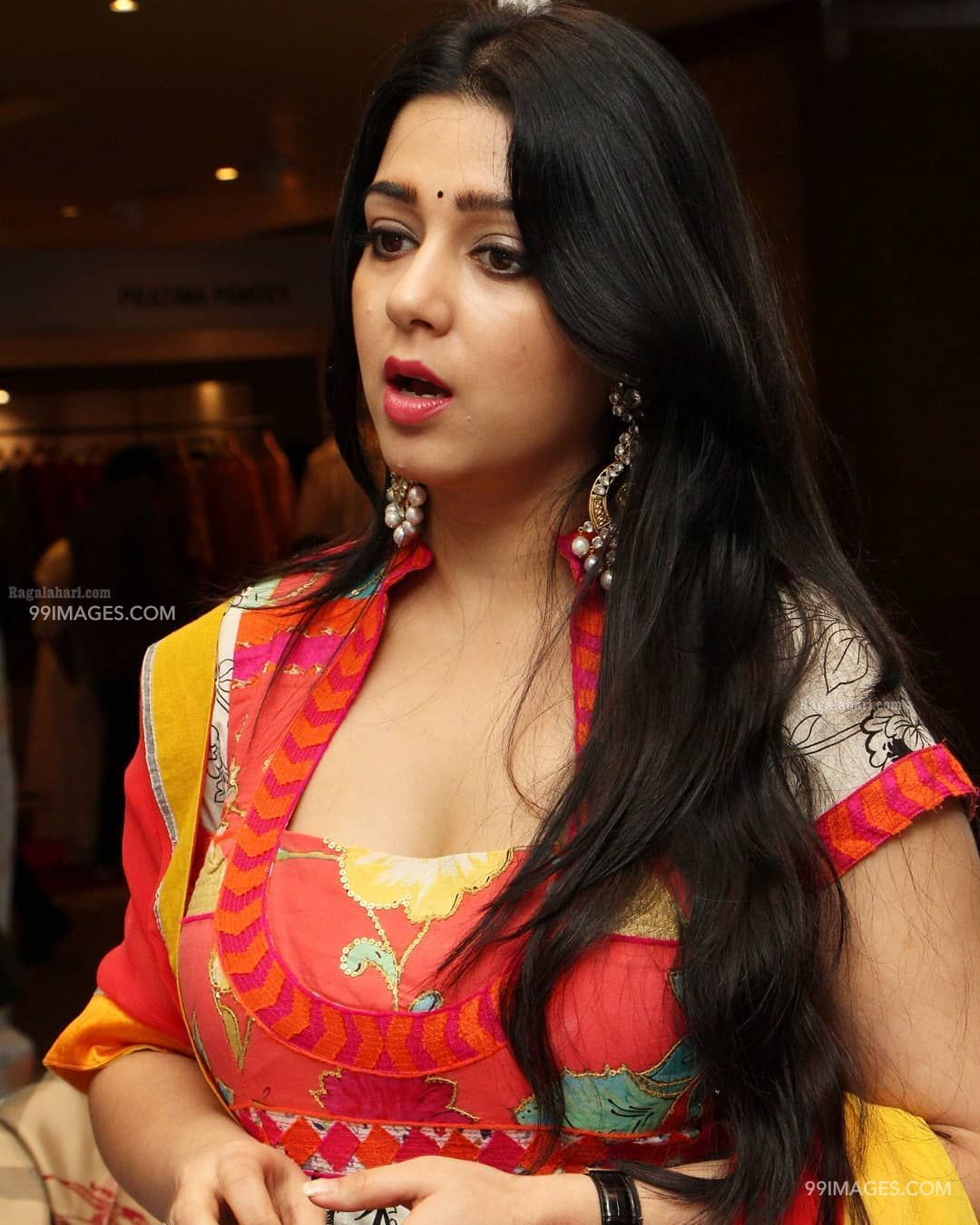Charmy Kaur Beautiful Photos & Mobile Wallpapers HD (Android/iPhone) (1080p) (26007) - Charmy Kaur