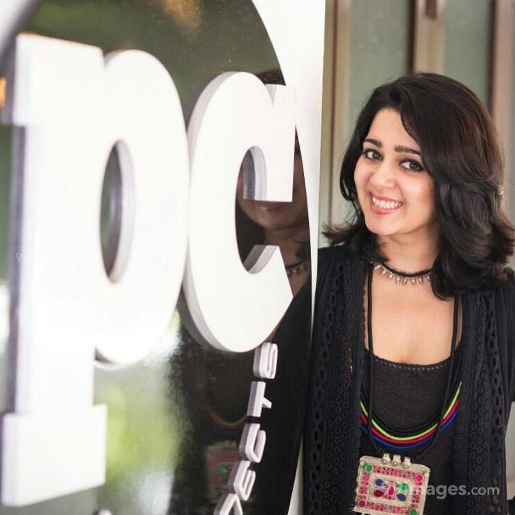 Charmy Kaur Beautiful Photos & Mobile Wallpapers HD (Android/iPhone) (1080p) (600029) - Charmy Kaur