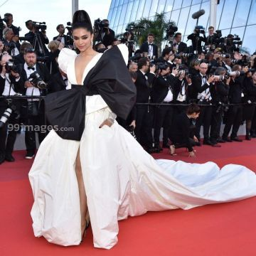 Deepika Padukone New HD Wallpapers & High-definition images (1080p)
