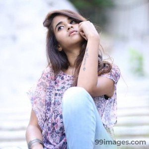 Deepthi Sunaina Beautiful HD Photos & Mobile Wallpapers HD (Android/iPhone) (1080p) - #18581