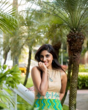 Dhanya Balakrishna Beautiful HD Photos & Mobile Wallpapers HD (Android/iPhone) (1080p)