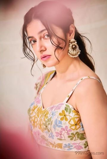 Divya Khosla Kumar Hot HD Photos & Wallpapers for mobile Download, WhatsApp DP (1080p, 4k)