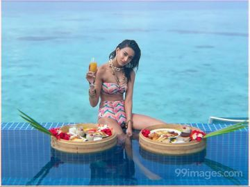 Erica Fernandes Hot HD Photos & Mobile Wallpapers (1080p)