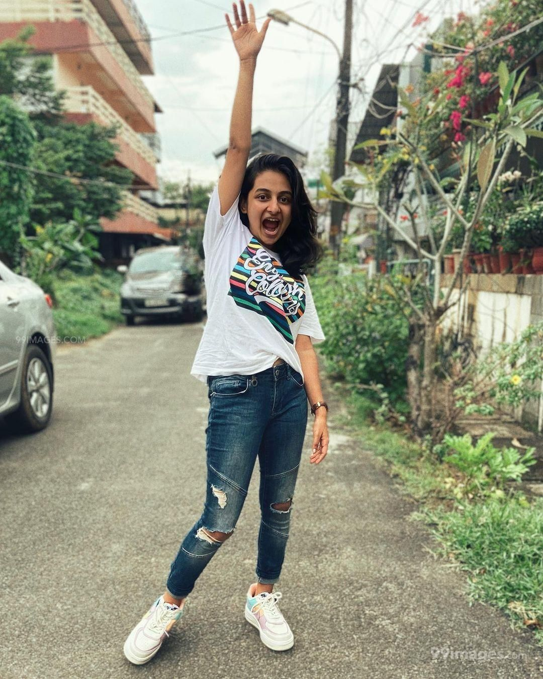 Esther Anil Hot HD Photos, Wallpapers, WhatsApp DP (1080p) (722355) - Esther Anil