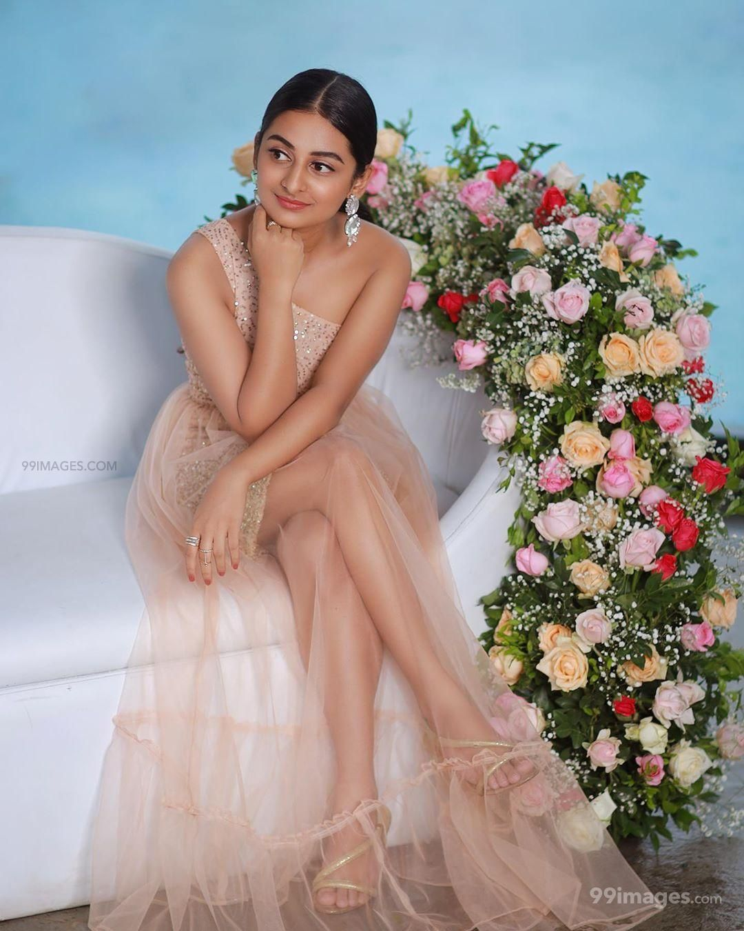 Esther Anil Hot HD Photos, Wallpapers, WhatsApp DP (1080p) (590083) - Esther Anil