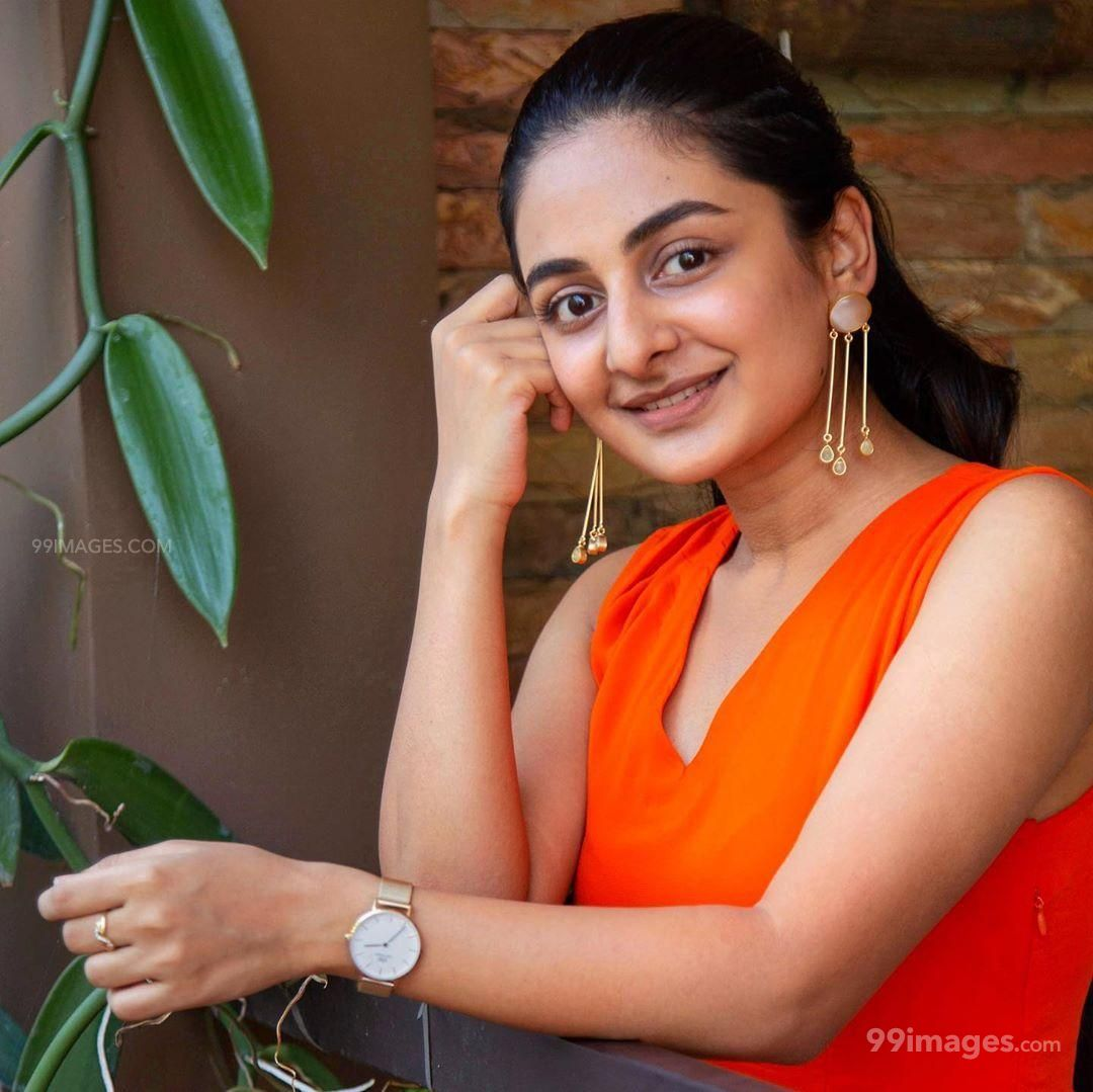 Esther Anil Hot HD Photos, Wallpapers, WhatsApp DP (1080p) (598678) - Esther Anil