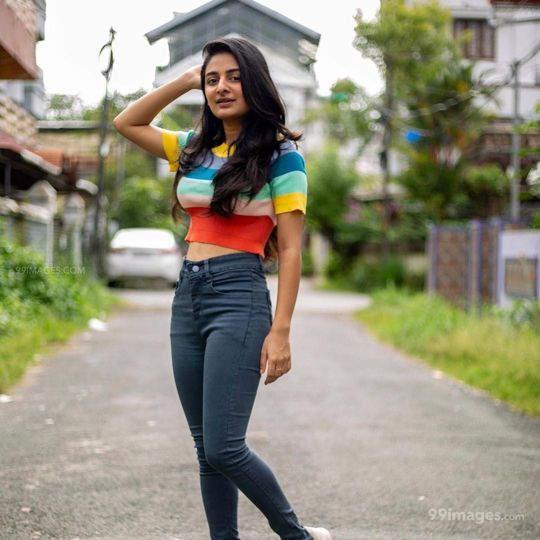 Esther Anil Hot HD Photos, Wallpapers, WhatsApp DP (1080p) (586144) - Esther Anil