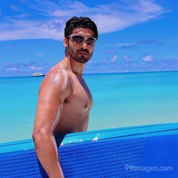 Gurmeet Choudhary Best HD Photos Download (1080p) (Whatsapp DP/Status Images)