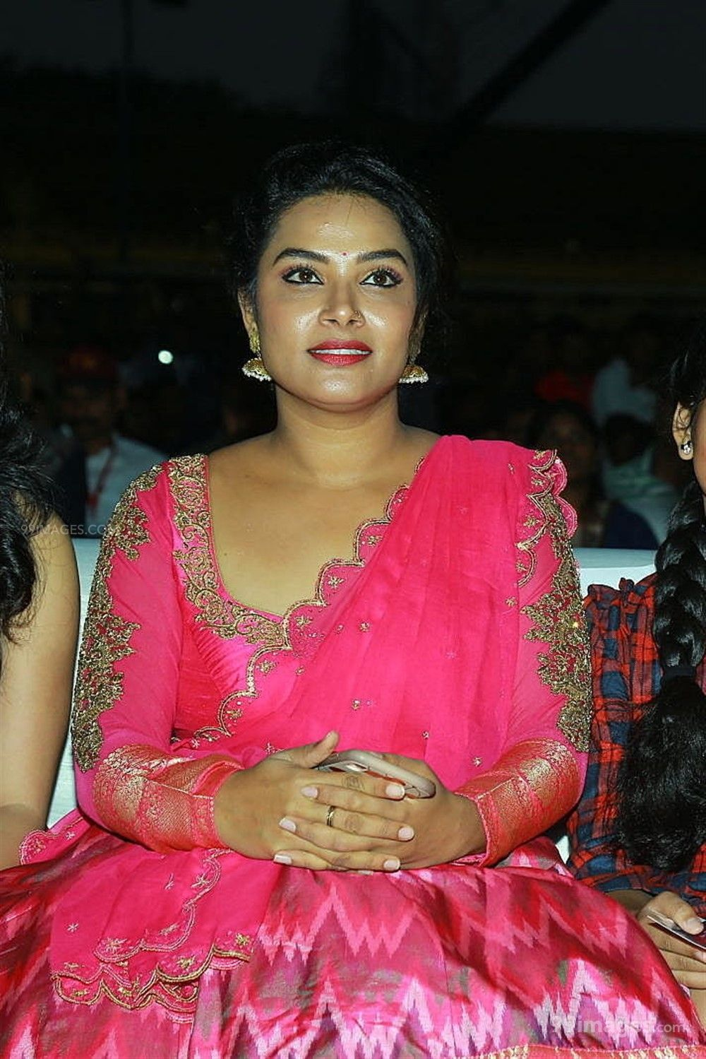 Actress Hari Teja Hot Beautiful HD Photos in Pink Saree at Sarileru Neekevvaru Movie Pre Release Event (219887) - Hari Teja, Sarileru Neekevvaru