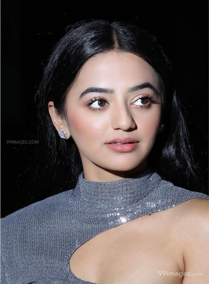 Helly Shah Hot HD Photos & Mobile Wallpapers (1080p)